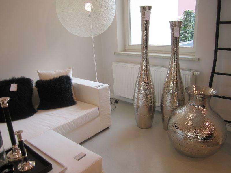 bodenvasen instylequeen. Black Bedroom Furniture Sets. Home Design Ideas
