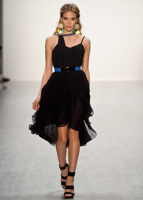 DIMITRI Mecedes Benz Fashion Week Runway, Kleid Schwarz