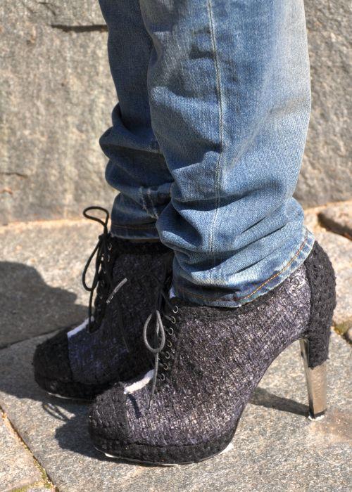 REBELLE, Chanel Bouclè Boots