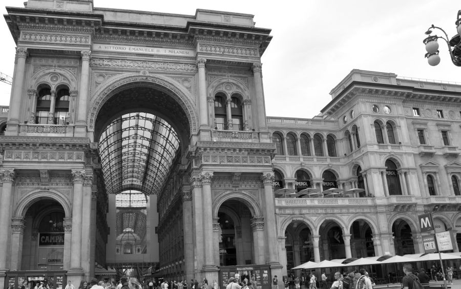 Galleria Vittorio Emanuele II, Piazza