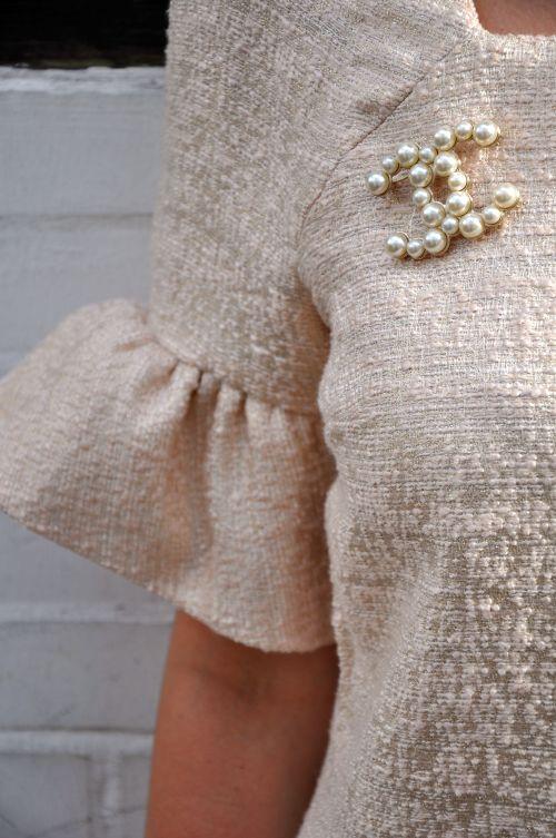 Burda Style Retro Kleid, Nähblogger, Fashionblogger,Chanel- Brosche, Perlen