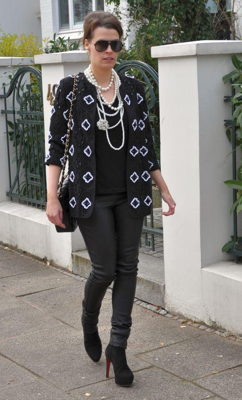 Perlenbestickte Jacke H&M Trend, Winter 2014, schwarz, weiß