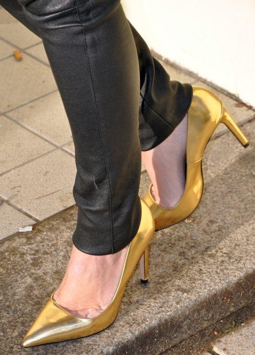 Zara Pumps, gold, Saison Winter 2015, Fashionblogger, Modeblogger