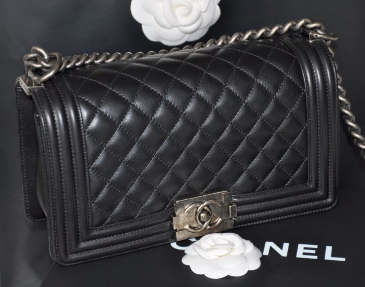 UNBOXING CHANEL BOY BAG