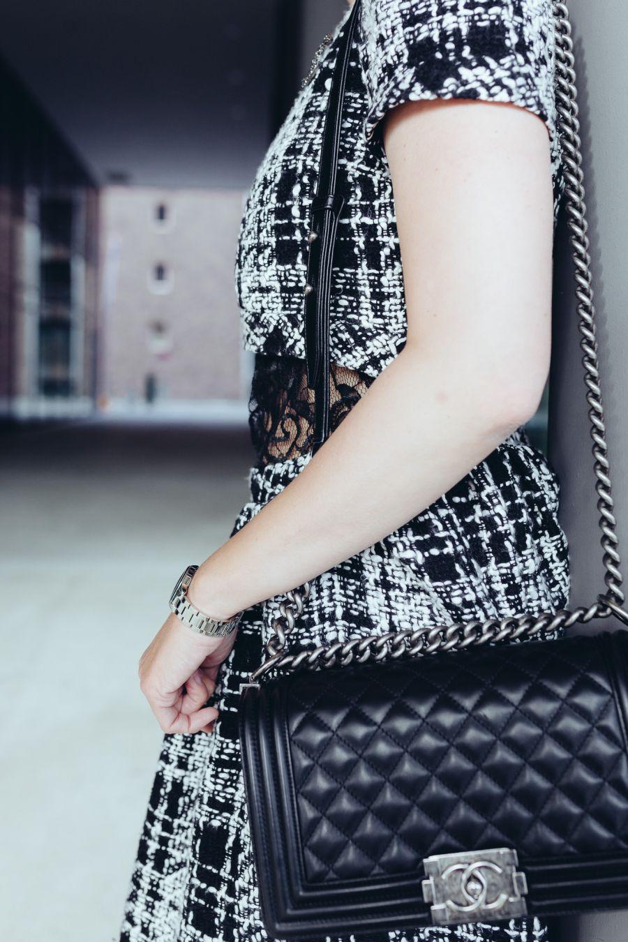 chanel tasche schwarz chanel taschen tasche aus lammleder schwarz a50167 chanel taschen tasche. Black Bedroom Furniture Sets. Home Design Ideas