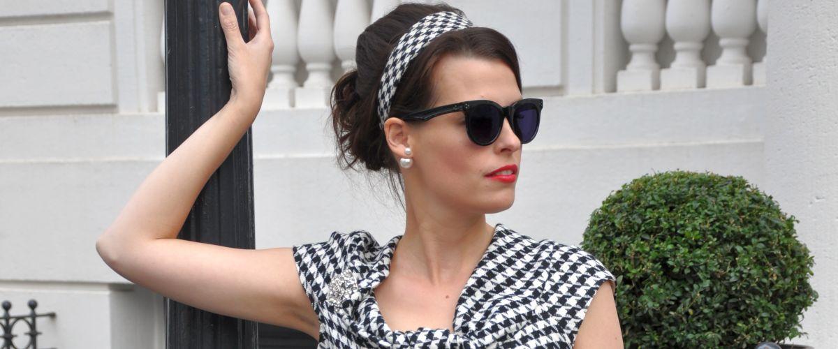 PEPITA RETRO- DRESS LOVES POLKA DONTS