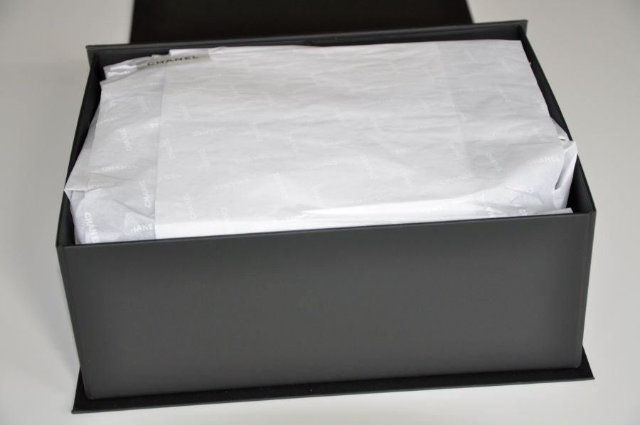 e9873256 UNBOXING CHANEL BOY BAG - Instylequeen
